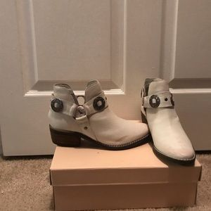 Chinese Laundry Booties - NWT